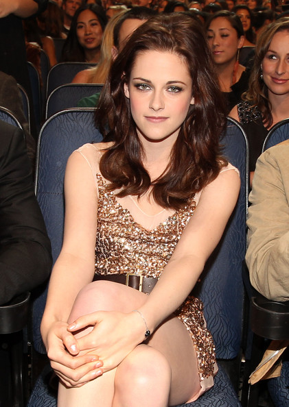 Robert PattinsonKristen Stewart will also attend the Golden Globes 2011.